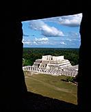 Temple of the Warriors. Chichén Itzá. Yucatan. Mexico