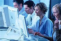 Callcenter Call-Center Geschäftsfrau GeschäftsmannKopfhörer Headset