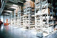 Lager Lagerhalle Lagerraum Regal Karton lagern
