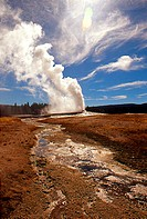 Old Faithful GeyserYellowstone National ParkWyomingUSA