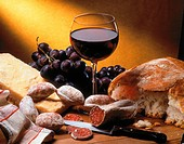 Meat-Sausages with bread and red wine