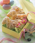 Easter lambs in yeast dough in gift box (1)