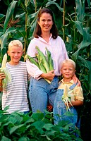 Mom, her sons and fresh corn