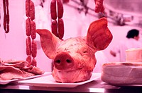 Schweinekopf - Metzgerei - Spanien | Pig´s Head - Butcher´s Shop - Spain | fully-released