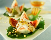 Figs with honey yoghurt