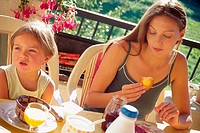 FAMILY EATING BREAKFAST<BR>Models.