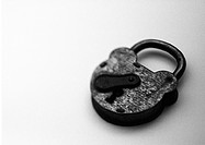 Padlock, b&amp;w