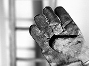 Old glove, close-up, b&amp;w