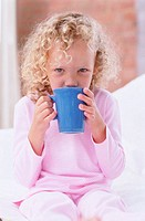 Girl drinking tea (thumbnail)