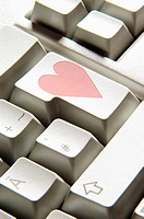 Heart shape on computer key (thumbnail)