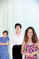 Three generations of women standing in a line (thumbnail)