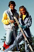 SG hist., Sport, Ski, Alpin, Paar mit Skiausrüstung, Halbfigur, 80er Jahre,   skifahren overall skioverall