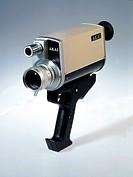 Technik hist, Viedeo Videokamera Akai, Modell VC-110, mit Handgriff, Zoom  1:1.8/10 - 40 mm, fruehe Videocamera ohne eingebauten Speicher, nur fuer sc...