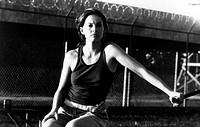 Film ´Doppelmord´ (Double Jeopardy) USA 1999, Regie: Bruce Beresford, Szene mit Ashley Judd    halbfigur, frau im gefängnis ?, shirt ärmellos, identif...