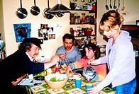 Film, ´Conamara´, BRD 2000, Regie Eoin Moore, Szene mit Mrt¡n Jamsie, Darragh Kelly, Katie N¡c Dhonnacha & Ellen Ten Damme, martin, nic, zusammen an ...