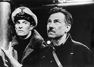 Film, ´U-571´, USA/F 2000, Regie Jonathan Mostow, Szene mit Matthew McConaughey & Harvey Keitel  u boot, u-boot, kappe, offzizier, portrait, brustbild