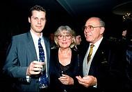 Zacharias, Helmut  27.1.1920 - 28.02.2002, deut. Geiger, Aufnahme mit seiner Frau Hella & Sohn Stephan, 1994,  geburtstagsfeier von christian bruhn, h...