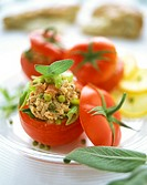 Stuffed tomatoes with tuna and green pepper