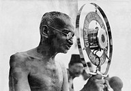 Gandhi adressing public meeting in Mumbai on the day of his return from England. Maharashtra. India. December 28, 1931
