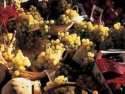 market, white grapes