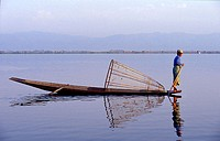 Intha fisherman on the Inle Lake, Shan state, Myanmar