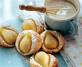 Warm pear puff pastry tartlet with cream (2)