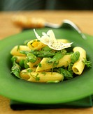 Penne with peas and green asparagus