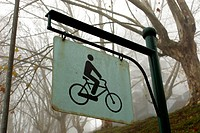 Transport, plate, cyclist