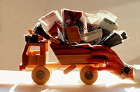 Toytruck loaded with goldbars and money (swiss francs, 2nd newest edition , until late 1980's)
