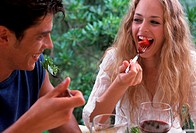 couple eating outdoor