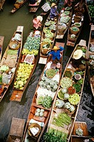 Floating Market in Damnoen Saduak, Thailand, South East Asia
