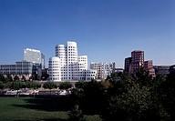Düsseldorf, Medienhafen/Zollhof von Frank O. Gehry