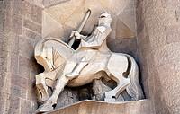 Barcelona, Kathedrale Sagrada Familia/ Detail der Westfassade, Ritter