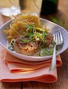 Pork medallions in cream sauce with potato rosti (1)
