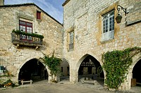 arcades, architecture, Place des Corniers, Dordogne, former, fortress, France, Europe, Middle Ages, Montpazier, old