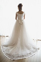 Bride wearing wedding dress (thumbnail)