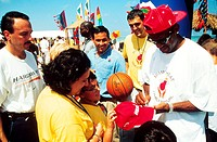 Children requesting autographs from Miami ´Heat´ National Basketball Association players.