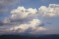 Japan, Central Honshu, Yamanashi Prefecture, clouds above mountains