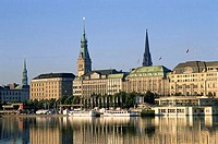 Binnenalster Lake and City Skyline, Hamburg, Hamburg, Germany