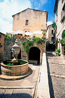 Fountain in the courtyard of a building, St. Paul de Vence, France