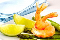 Close-up of prawns and lemon slices in a plate