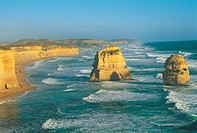 Australia, Victoria, the Twelve Apostles (thumbnail)
