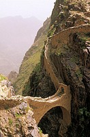 Yemen, Shahara, stonebridge built in 17th century