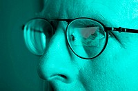 Man with spectacles (thumbnail)