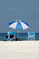 Beach chair and umbrella (thumbnail)