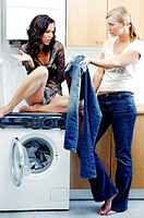 Women doing laundry (thumbnail)