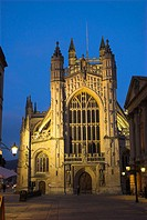 England, Somerset, Bath, abbey, dusk