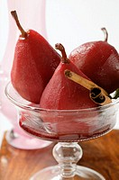 Pears in red wine with cinnamon