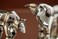 Silver bull and bear, close-up, selective fcous