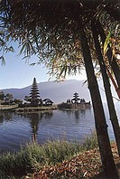 Indonesia, Bali, Bedugal, Lake Bratan, Pura Ulun Danau Water Temple